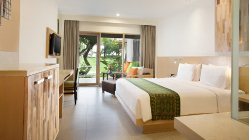 King Deluxe Garden Access | Holiday Inn Resort Baruna Bali