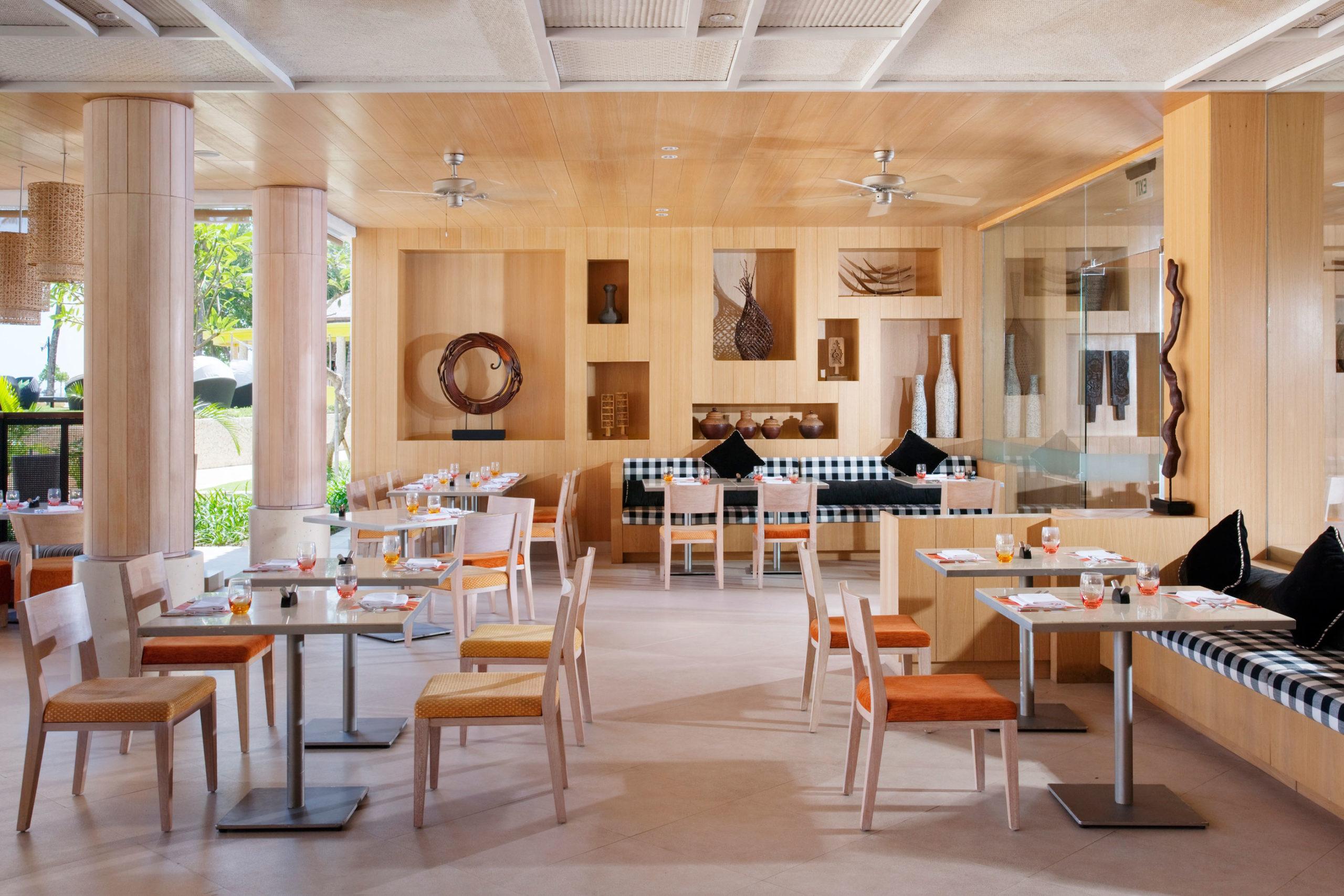 DPSBH Palms All Day Dining   Holiday Inn Resort Baruna Bali