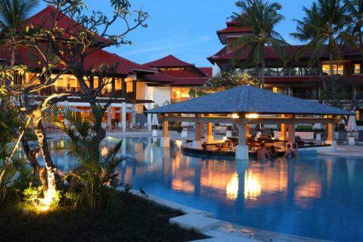 Pool Bar Night | Holiday Inn Resort Baruna Bali