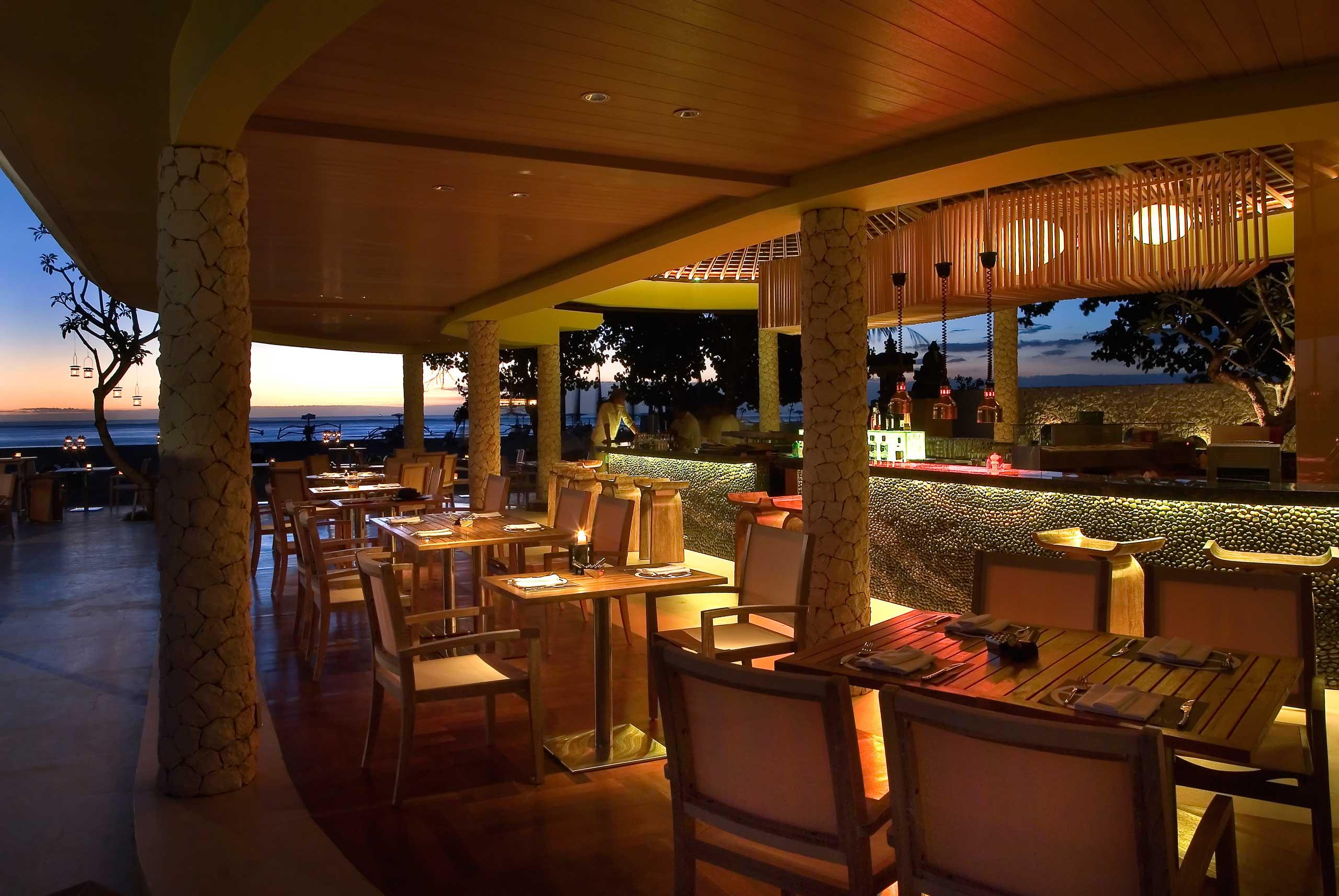 Envy Seating Indoor | Holiday Inn Resort Baruna Bali
